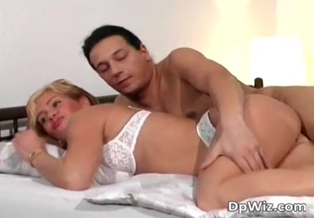 Http www.tubexpornar.com movie ام-وبنتها-يمارسون-الجنس-مع-ابنها-145209.html